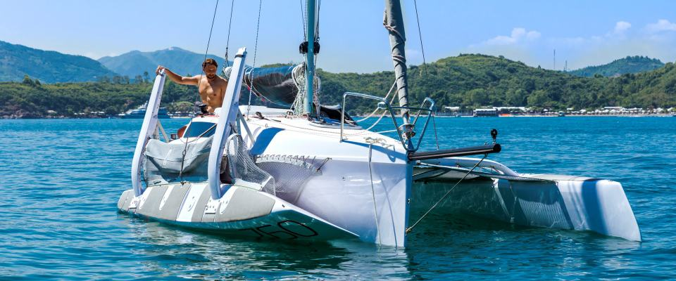 Best Boats to Live On: A Guide | East Coast Shows